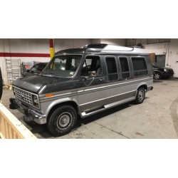Van américain 7 places V8 essence , à vendre